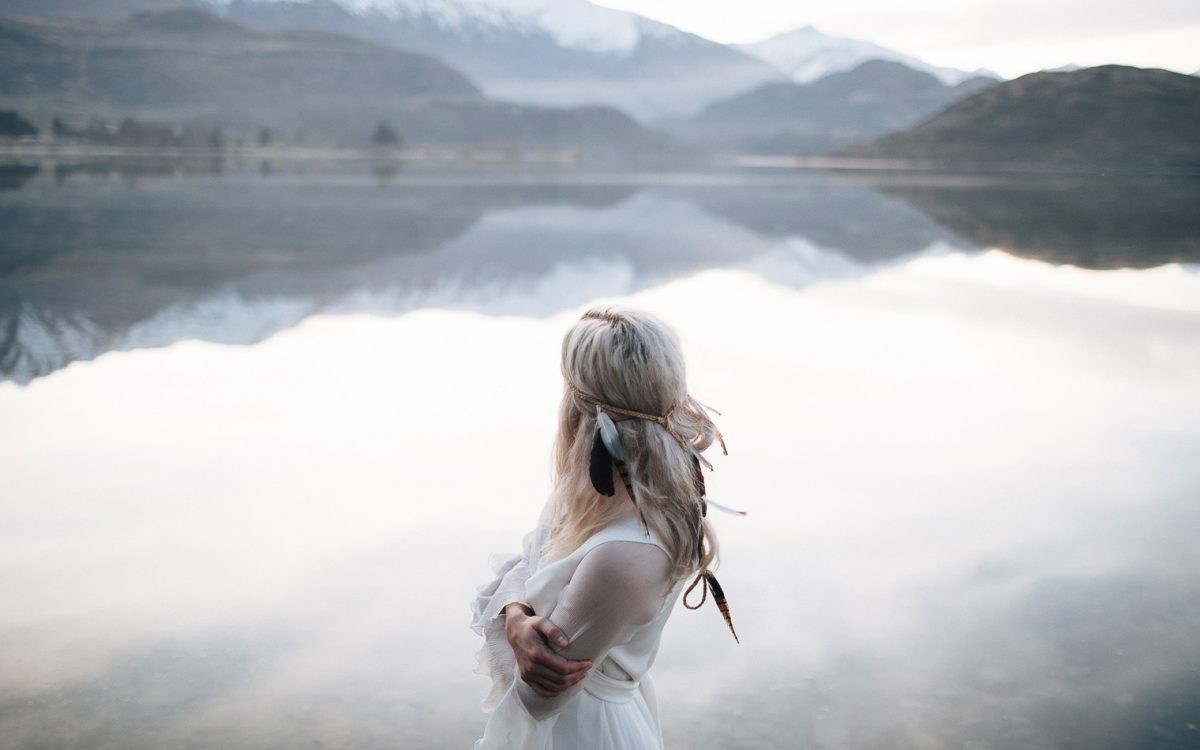 Jossi & Hannah preview | Lake Wanaka wedding photographer